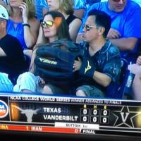 (PHOTO) Bro Wears Giant Glove To Baseball Game